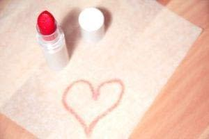 makeup toxins